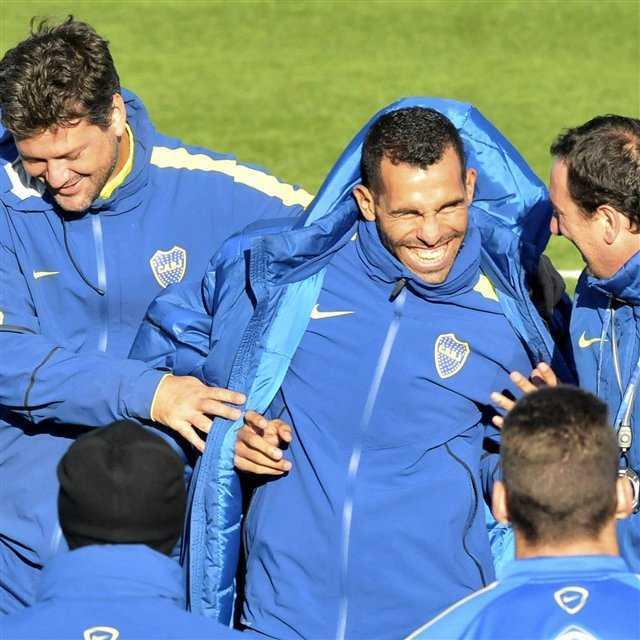 Una tarde histórica: Tevez vuelve al fútbol argentino