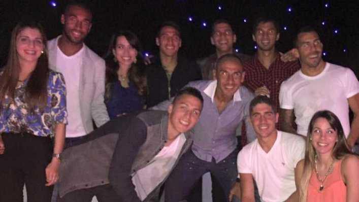 FOTOS: Tevez debutó y armó una cena para todo el plantel de Boca