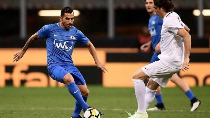 Tevez jugó en la despedida de Andrea Pirlo en Milán