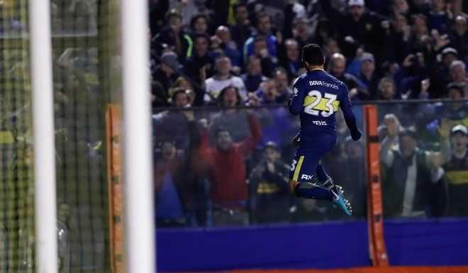 Tevez superó a Rodrigo Palacio ¡y va por Guillermo!