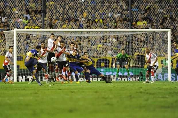 VIDEO: Todos los goles de tiro libre de Riquelme
