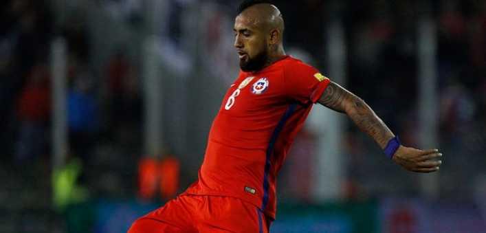 Vidal criticó a prensa chilena y defendió a Sampaoli