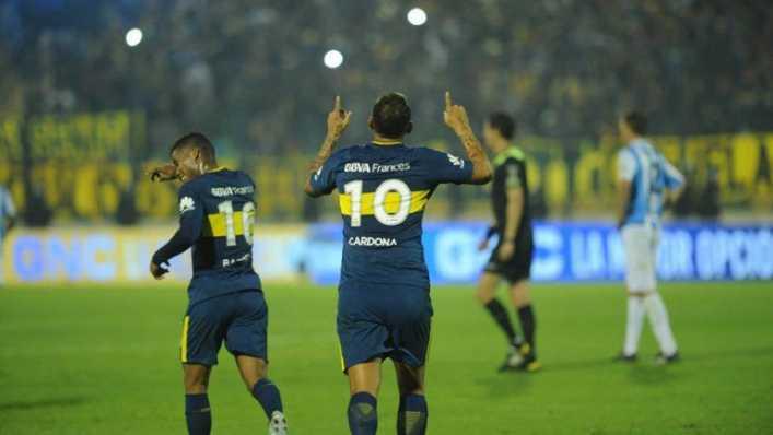 VIDEO: ¿Es justo que Cardona le pase la 10 a Tevez?