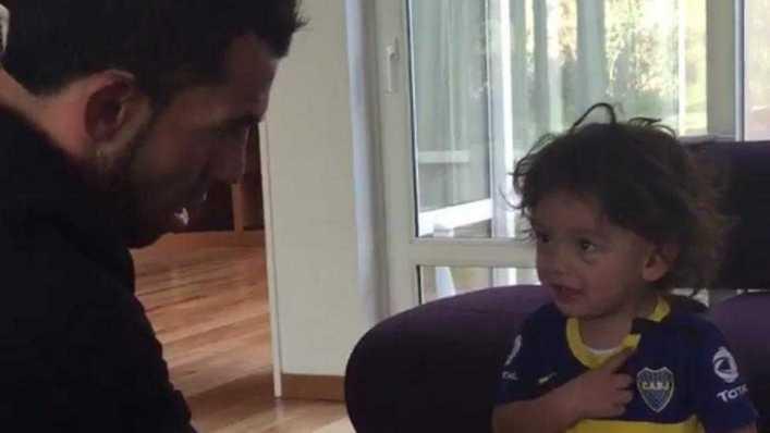 Bostero de verdad: el video del hijo de Tevez que da la vuelta el mundo