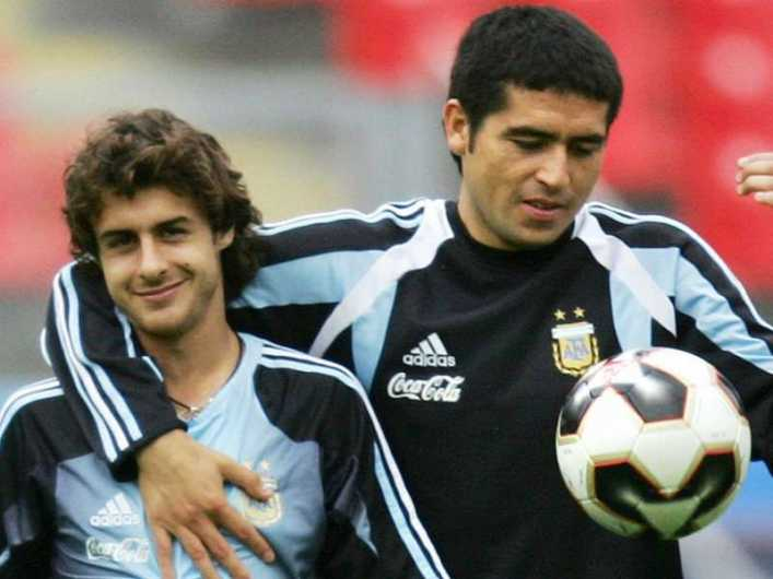 VIDEO: La charla futbolera entre Aimar y Riquelme