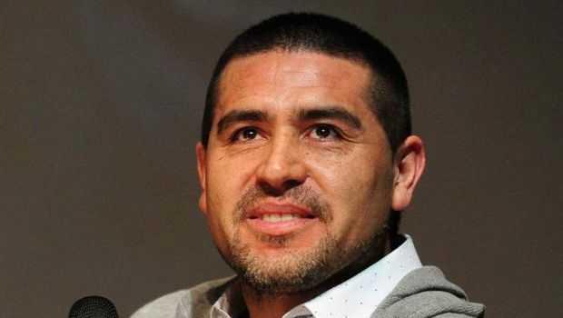 VIDEO: Tentó a Riquelme y los hinchas de Boca y River se unieron al pedido