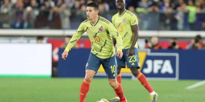 Villa sirvió de mensajero y James hizo feliz a Mauro Zárate