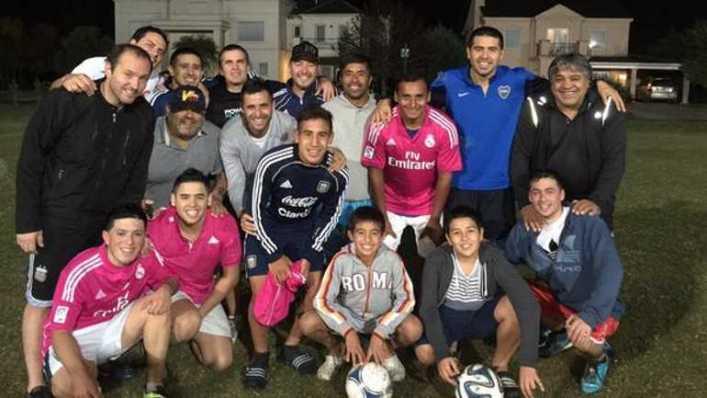 Riquelme volvió a jugar al fútbol con la ropa de Boca