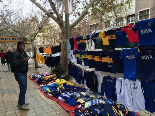 Ya se vende merchandising de Boca por la llegada de Tevez