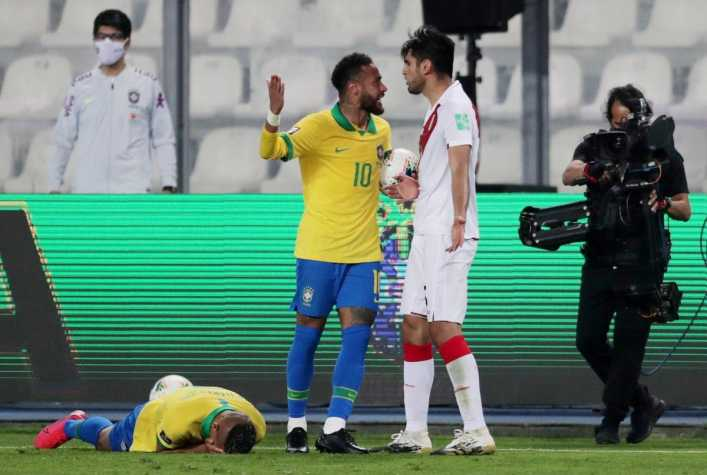 Zambrano sobre Neymar: Es un payaso