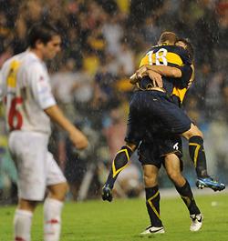 Bajo la lluvia, Boca fue un relámpago de goles
