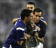 El campeón Vélez Sarsfield visita al Boca Juniors en el debut de Basile