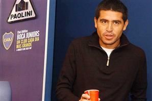 Pese a lo anunciado, Riquelme no firmó y crecen los rumores