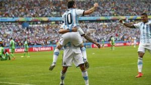 Foto Juan Roman Riquelme Argentina Sufrio Pero Con Magnifico Messi Vencio Nigeria