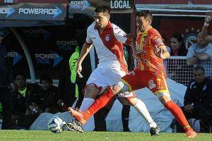 Foto Juan Roman Riquelme Con Gol De Riquelme Argentinos Vence A Boca Unidos