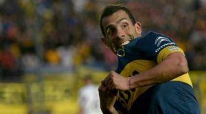 Foto Juan Roman Riquelme Conoce Nueva Camiseta Boca Con 10 Carlitos Tevez