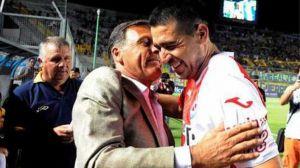 Foto Juan Roman Riquelme Discute Con Russo En Semifinal Copa Argentina