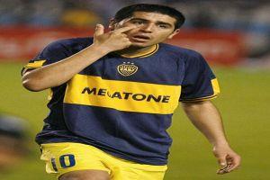 Foto Juan Roman Riquelme Discutiendo Con Arbitro