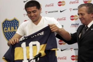 Foto Juan Roman Riquelme Firma Con Boca Y Quiere Jugar El Mundial