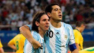 Foto Juan Roman Riquelme Gol De Riquelme Con Asistencia De Messi