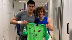 Griezmann y una nueva camiseta de Boca a su colección