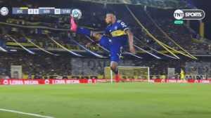 ¿Ibrahimovic, eres tú? El imposible control de Villa con Boca