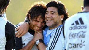 Foto Juan Roman Riquelme Maradona Saludo A Ham Respaldo Tevez Y Cargo Contra Gorosito