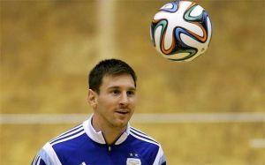 Foto Juan Roman Riquelme Messi Prometio Lograr Mundial Para Argentina