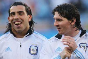 Foto Juan Roman Riquelme Messi Tevez Hablan Sobre Final Champions League