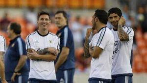 Foto Juan Roman Riquelme Messi Tevez Volverian Jugar Juntos En Prueba Ante Mexico