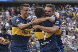 Foto Juan Roman Riquelme Mira Los Goles De Boca Juniors Ante Olimpo