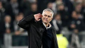 Mourinho pudo haber dirigido a Boca Juniors por ofrecimiento de Burdisso