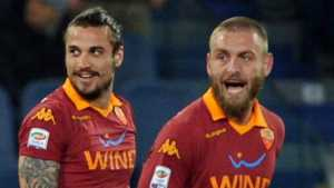 Osvaldo, con la camiseta de su amigo De Rossi en la Roma