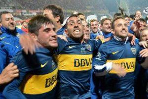 otro título para tevez, que sube en la lista de los jugadores argentinos más ganadores