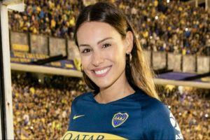 Pampita fue a ver a Boca, enamoró a todos y se grabó gritando un gol