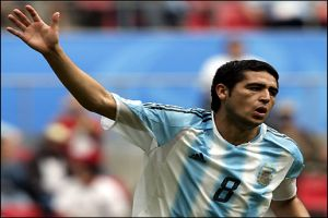 Foto Juan Roman Riquelme partido Argentina contra Tunez