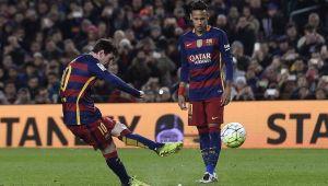 Foto Juan Roman Riquelme Tevez Explica Por Que Messi Tira Tan Bien Faltas