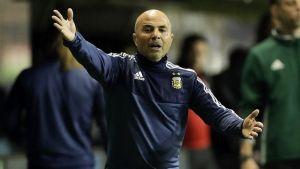 el técnico de la selección argentina insulta ebrio a un policía