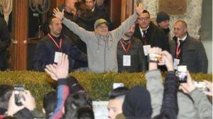 maradona volvió a recibir todo el afecto en italia