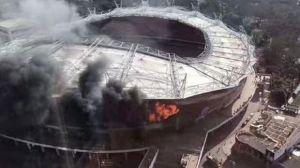 se incendió el estadio donde juega carlos tevez
