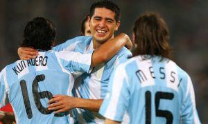 Foto Juan Roman Riquelme Argentina 3 - 0 Brasil