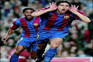 Foto Juan Roman Riquelme celebrando un gol con el Barcelona