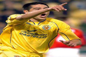 Foto Juan Roman Riquelme celebrando gol Villarreal en Champions