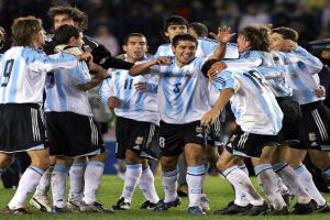 Foto Juan Roman Riquelme celebrando un gol en el mundial
