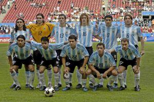 Foto Juan Roman Riquelme foto oficial con Argentina