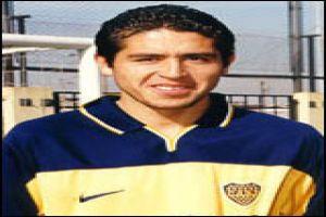 Foto Juan Roman Riquelme foto oficial con Boca Juniors
