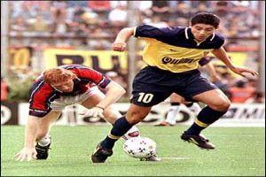 Foto Juan Roman Riquelme partido liga Argentina