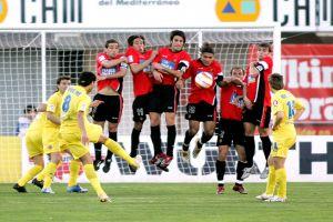Foto Juan Roman Riquelme en partido de liga Villarreal Mallorca
