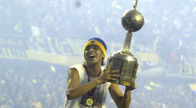 Riquelme con la Copa Libertadores