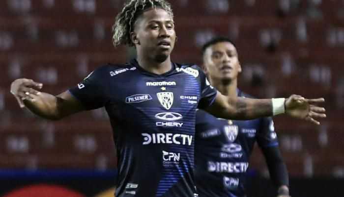 Angelo Preciado está más cerca de Boca Juniors